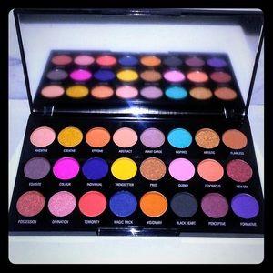 Makeup Revolution Creative Eyeshadow Palette